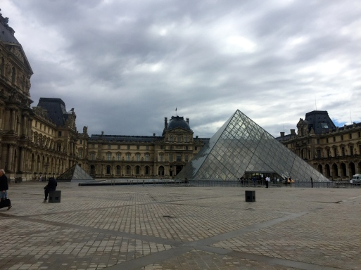 Musee du Louvre... closed.